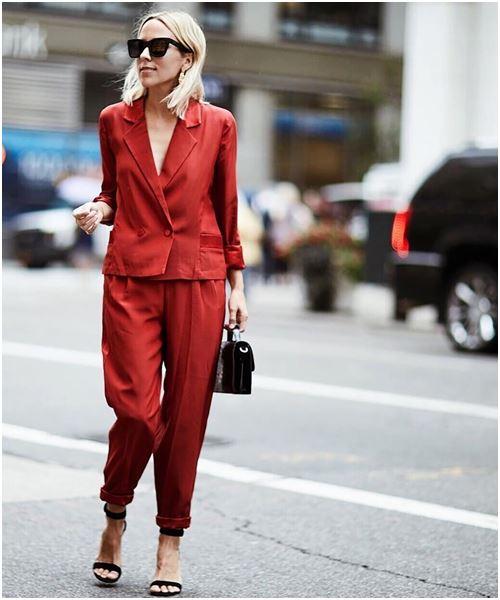 Suit: Món đồ quyền lực mới của các cô nàng công sở - 3
