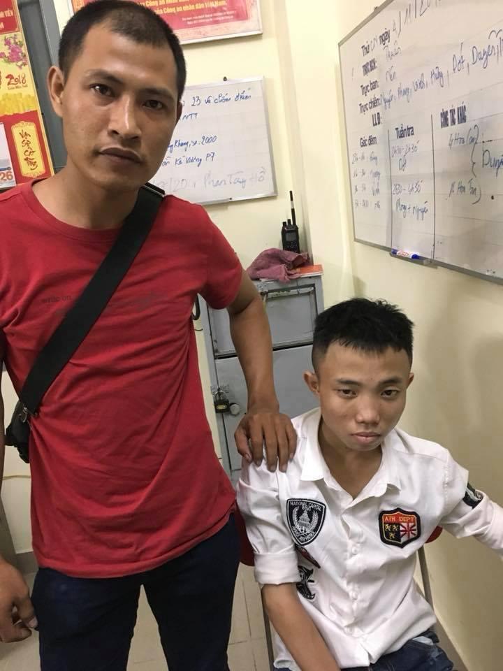 Thanh niên áo đỏ tay không hạ 2 tên cướp giữa phố Sài Gòn - 1