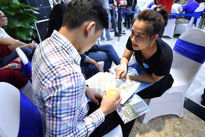 Hàng nghìn khách hàng chen chân đặt cọc VinCity Ocean Park - 4