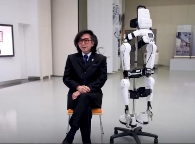 Robot Nhật Bản có khả năng giúp bệnh nhân bại liệt đi lại bình thường - 1