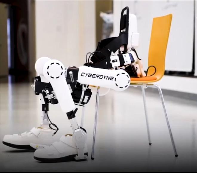 Robot Nhật Bản có khả năng giúp bệnh nhân bại liệt đi lại bình thường - 2