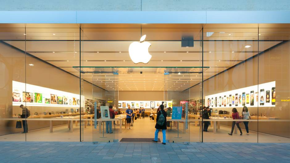 Apple đánh bay 4 tỷ USD của tỷ phú Warren Buffett chỉ trong 1 ngày - 2