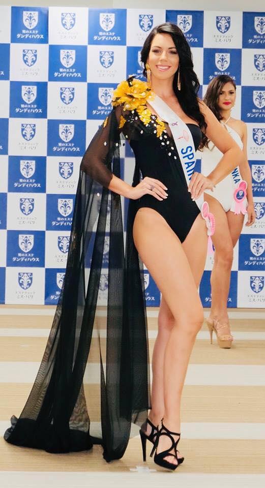 Thùy Tiên trượt Top 12 trình diễn áo tắm Hoa hậu Quốc tế - 2