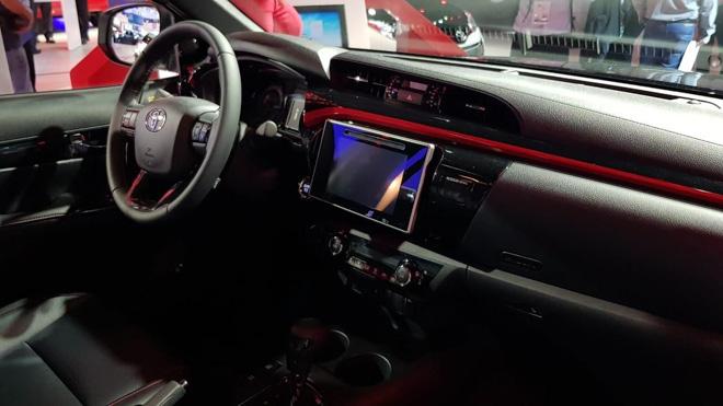 Toyota Hilux bổ sung thêm phiên bản GR Sport, giới hạn 420 chiếc - 6