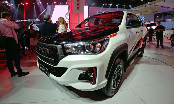 Toyota Hilux bổ sung thêm phiên bản GR Sport, giới hạn 420 chiếc - 2