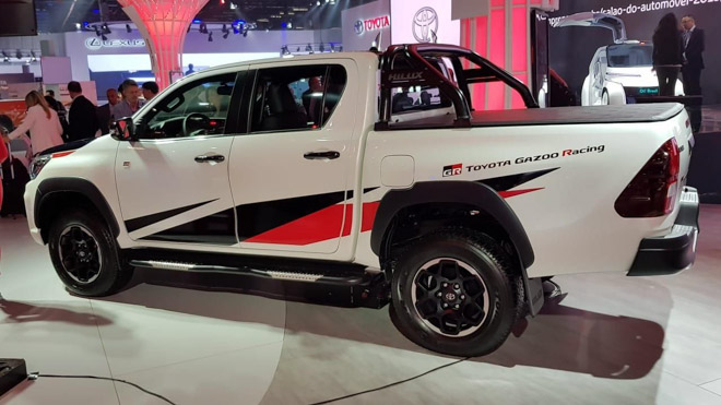 Toyota Hilux bổ sung thêm phiên bản GR Sport, giới hạn 420 chiếc - 3