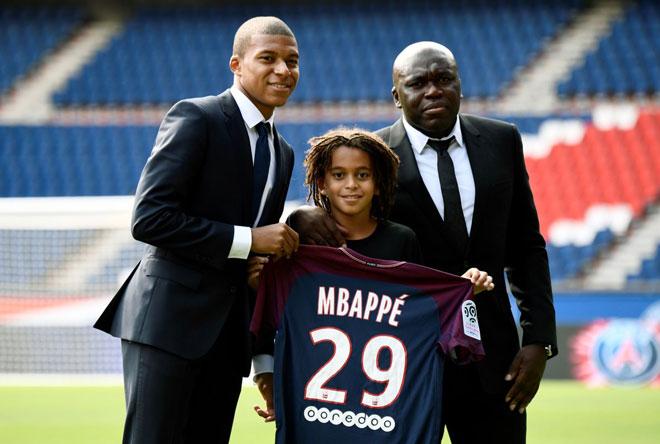 Mbappe lật kèo với Real: Đòi máy bay riêng, lương khủng bằng Messi - 2