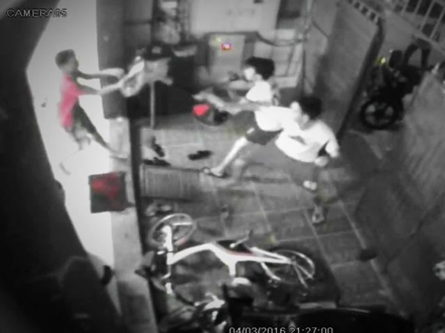 Bị phát hiện, tên trộm chém chủ nhà 23 nhát dao