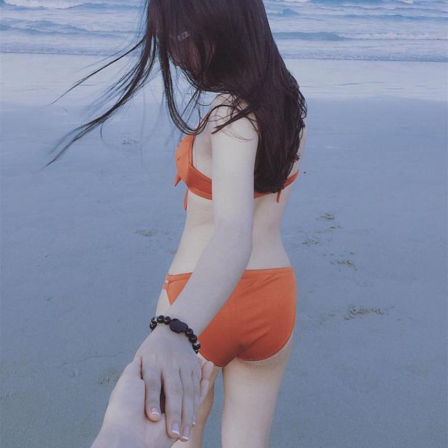 Càng ngày, bạn gái Quang Hải càng xinh đẹp và gợi cảm.
