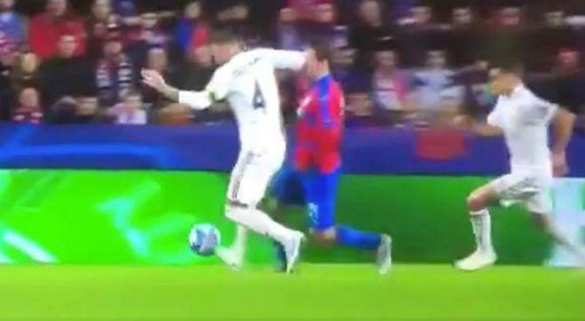 """""""Đại ca"""" Ramos lại giở võ cúp C1: Kinh hãi cùi chỏ làm đối thủ đổ máu - 1"""
