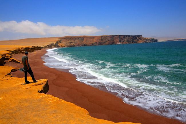 Những bãi biển tuyệt đẹp có màu cát kỳ lạ - 3