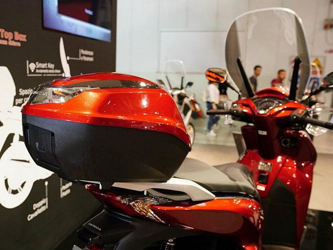 NÓNG:Vua tay ga 2019 Honda SH300i lộ diện, thêm tính năng mới - 6