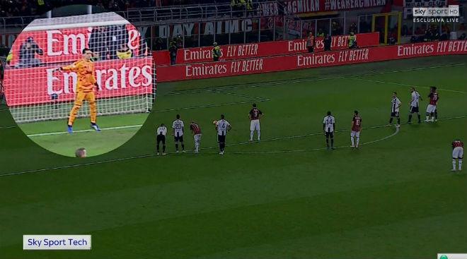 """Ronaldo tinh quái đọc vị Higuain: Szczesny bắt 11m """"dễ như ăn kẹo"""" - 4"""
