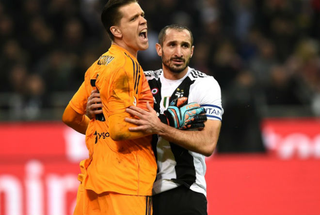 """Ronaldo tinh quái đọc vị Higuain: Szczesny bắt 11m """"dễ như ăn kẹo"""" - 7"""