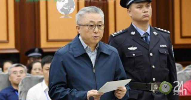 Trung Quốc: Kẻ thao túng pháp luật ngã ngựa, kéo 100 quan tham đi theo