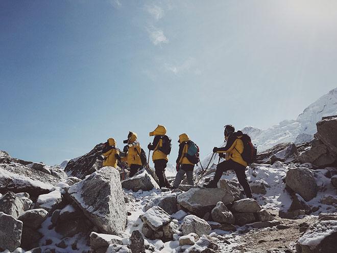 9x mơ ước chinh phục đỉnh Everest: tiếc vài chục nghìn khiến tôi suýt không về nước được! - 1