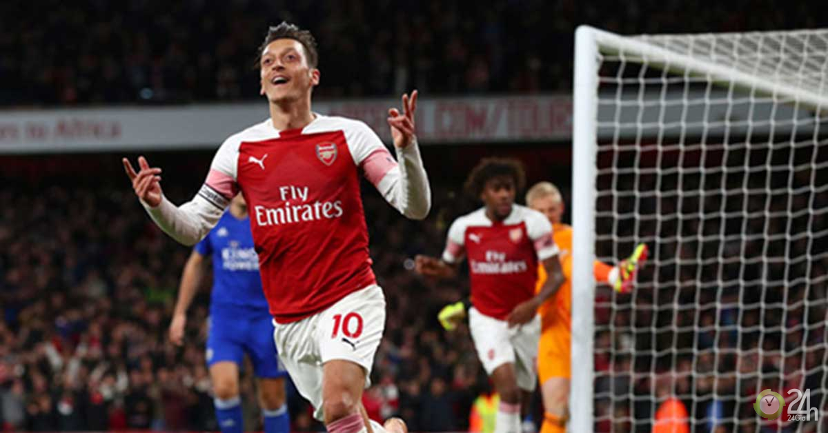 Tin HOT bóng đá sáng 14/11: Ozil nhận lời mời lương 1 triệu bảng/tuần
