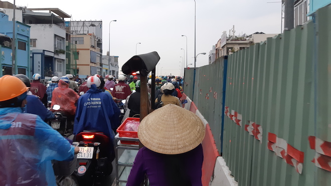 """Người Sài Gòn """"hoá điên"""" vì điệp khúc kẹt xe khi qua lô cốt - 5"""