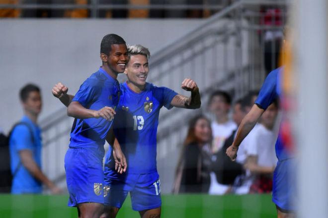 ĐT Việt Nam có sợ thủ môn 92 tỷ đồng & dàn sao châu Âu khuấy đảo AFF Cup? - 2