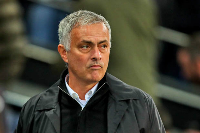 """Mourinho đốt 382 triệu bảng: MU mua toàn """"hàng hớ"""", gặp họa vì 3 SAO - 1"""