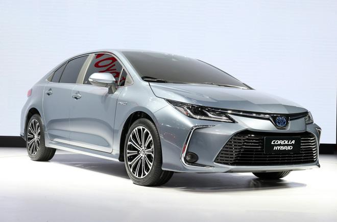 Toyota Corolla Sedan thế hệ mới 2019 chính thức lộ diện - 3