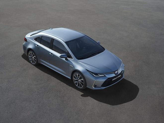 Toyota Corolla Sedan thế hệ mới 2019 chính thức lộ diện - 2