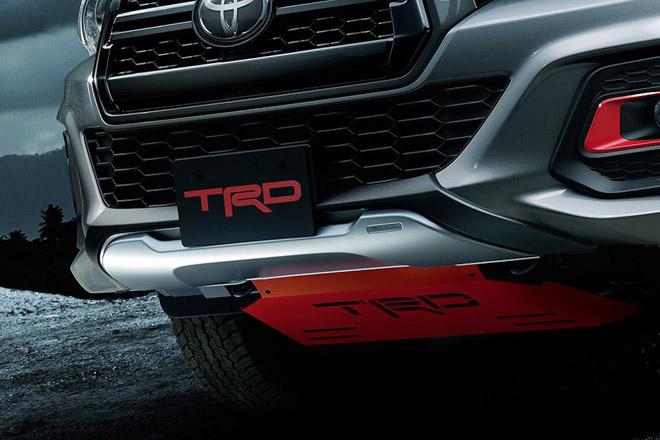 Toyota Hilux cực ngầu với gói phụ kiện TRD Black Rally - 2