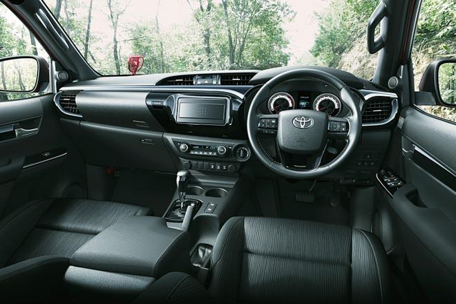 Toyota Hilux cực ngầu với gói phụ kiện TRD Black Rally - 4