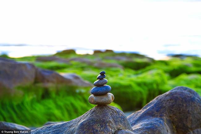Xách balo lên và đi ngay Cổ Thạch ngắm mùa rêu xanh phủ lên đá - 3