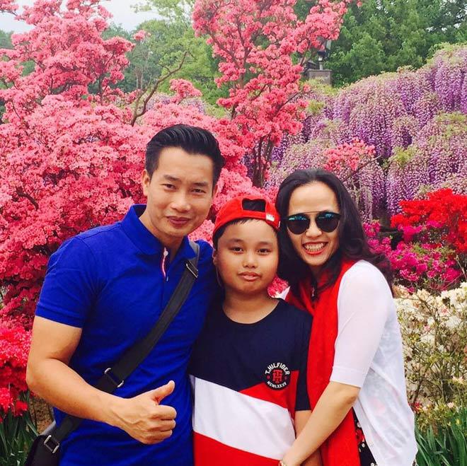"""Bà xã xinh đẹp được MC Hoa Thanh Tùng """"giấu kín"""" suốt 15 năm - 6"""