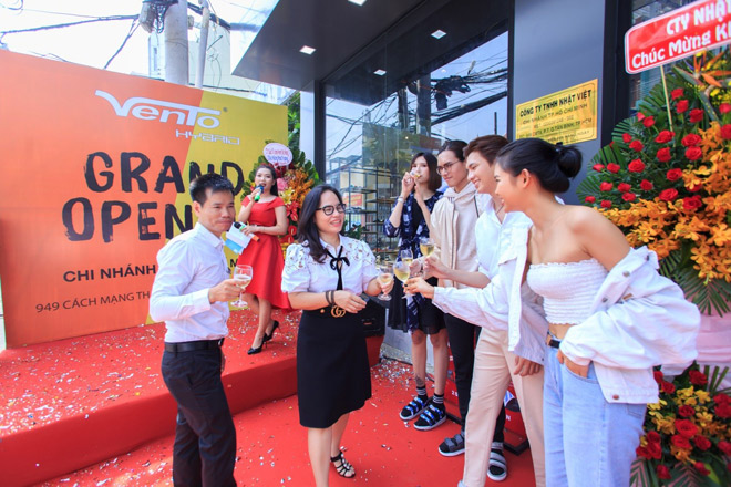 Phong cách Streetwear Nhật Bản gây sốt trong BST giày dép VENTO 2019 - 1
