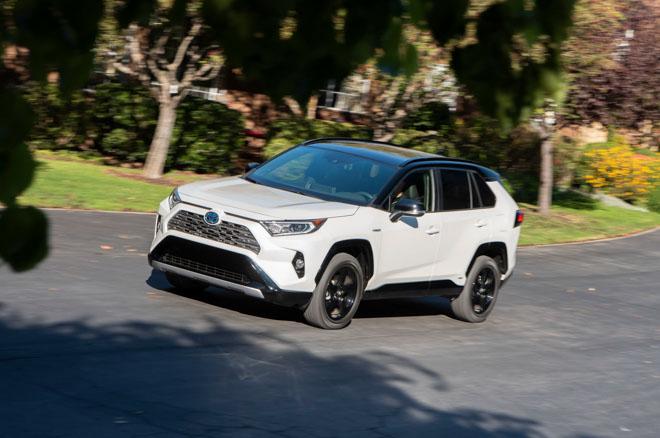 Toyota RAV4 2019 có giá từ 25.500 USD tại Mỹ - 4