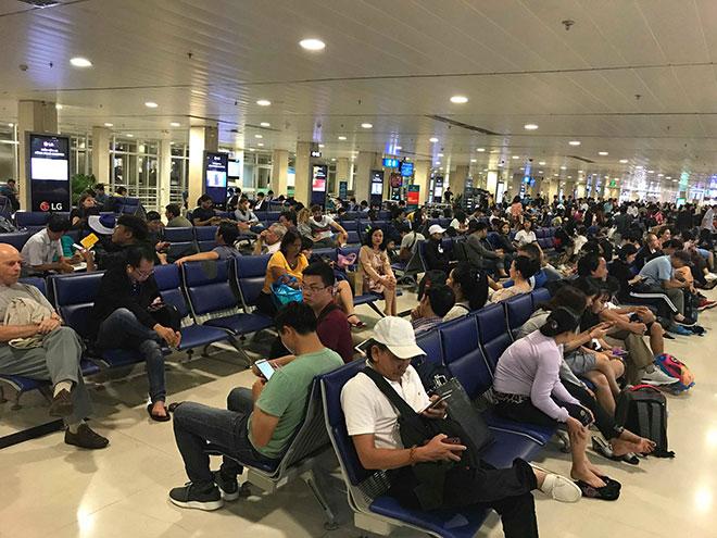 """Hai người Việt bị cảnh sát Malaysia tạm giữ vì nói """"có bom"""" trong hành lý bay - 1"""
