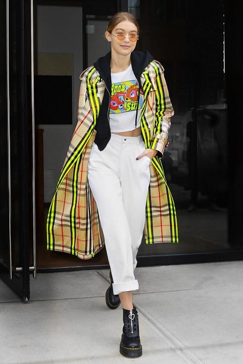 Bộ sưu tập áo khoác đáng mơ ước của Gigi Hadid - 5