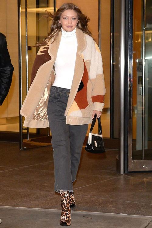 Bộ sưu tập áo khoác đáng mơ ước của Gigi Hadid - 11