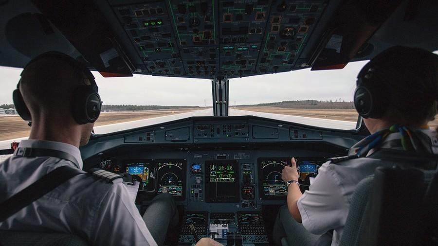 ... Chuyện xảy ra khi phi công ngủ quên trên máy bay-Phi thường - kỳ quặc -  Tin tức 24h ...