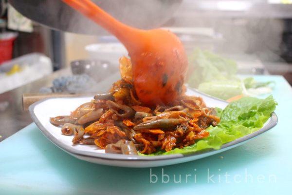 Cá dương vật, món ăn khiến người dân Hàn Quốc tranh nhau mua quanh năm - 8