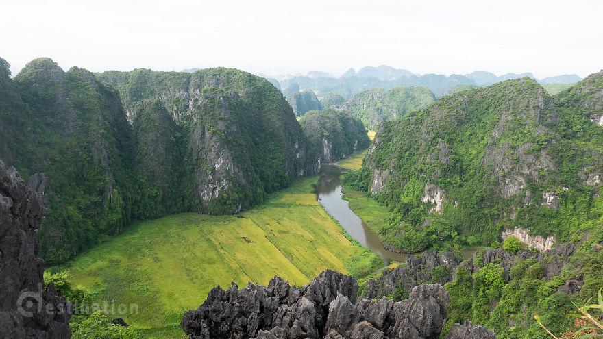 Tam Cốc đẹp ngỡ ngàng trong mắt du khách nước ngoài - 11