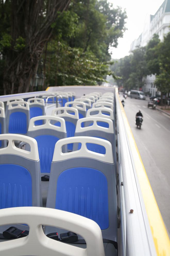 """Hà Nội có thêm ba xe buýt 2 tầng mui trần màu sắc """"cực lạ"""" - 3"""
