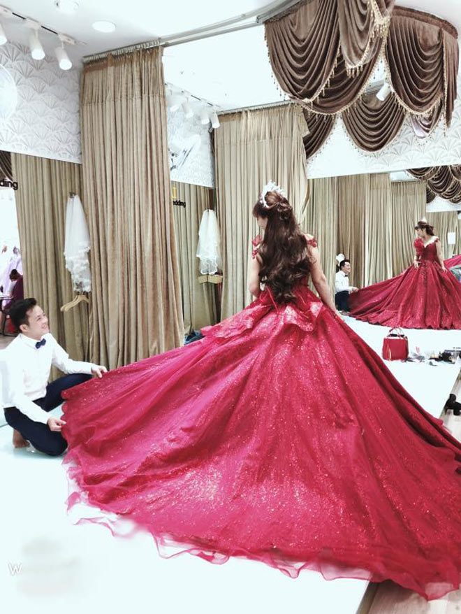 Cô dâu 62 tuổi khoe ảnh cưới lộng lẫy lần 2 ở Đà Nẵng - 5