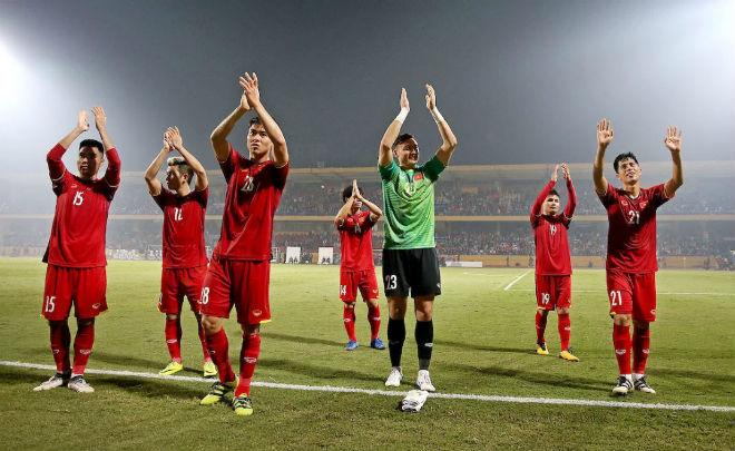 """AFF Cup: Báo Philippines tự nhận """"cửa dưới"""" Việt Nam, siêu HLV khó cứu - 1"""