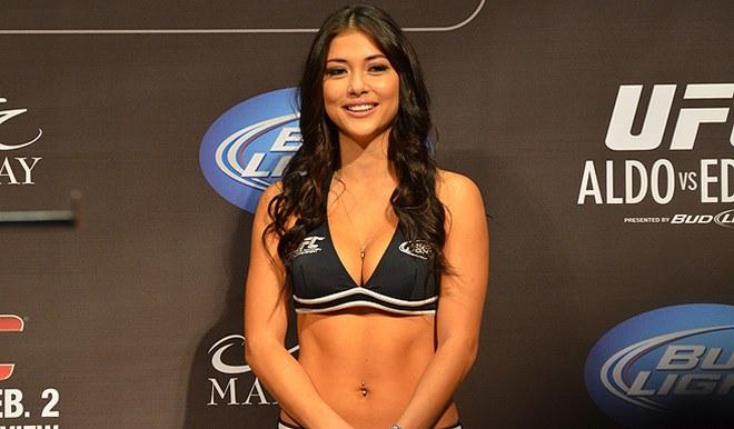 """""""Ring-girl"""" đẹp nhất làng võ UFC tung ảnh nóng khiến fan mê mệt - 1"""