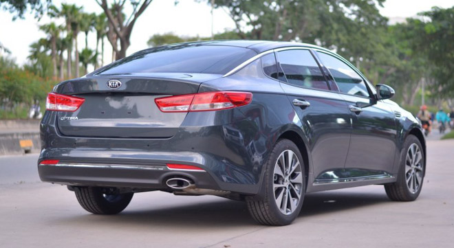 Kia Optima giảm giá còn 757 triệu, rẻ hơn cả Mazda 3 - 10