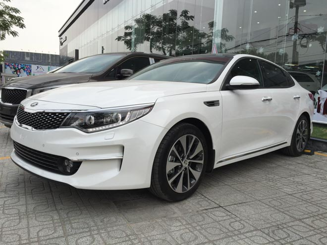 Kia Optima giảm giá còn 757 triệu, rẻ hơn cả Mazda 3 - 7
