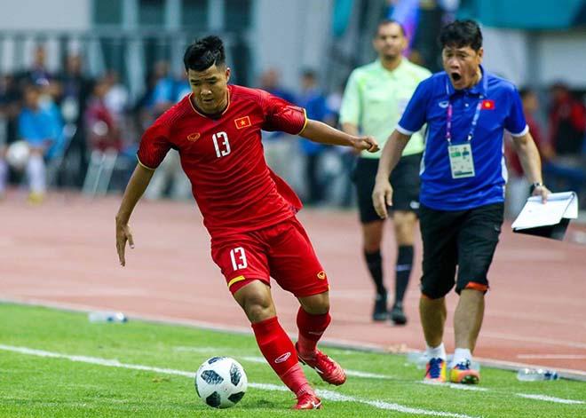 Việt Nam đấu Philippines: Đức Chinh gặp riêng HLV Park Hang Seo làm gì? - 1