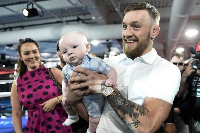 """Tin thể thao HOT 30/11: McGregor huấn luyện con trai """"đấm đá"""" gây bão - 1"""