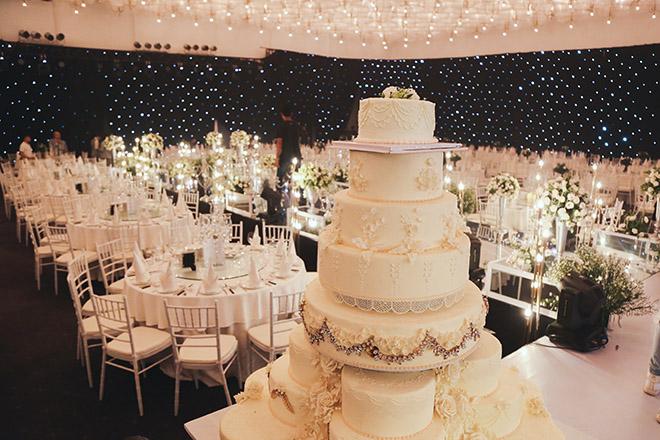 Không gian tiệc cưới hoàng gia của Ưng Hoàng Phúc - Kim Cương, dự kiến có 700 khách dự - 6