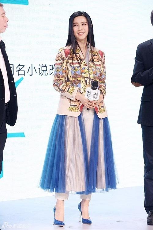 Biệt tài biến hàng hiệu thành hàng Taobao của sao Hoa ngữ - 13