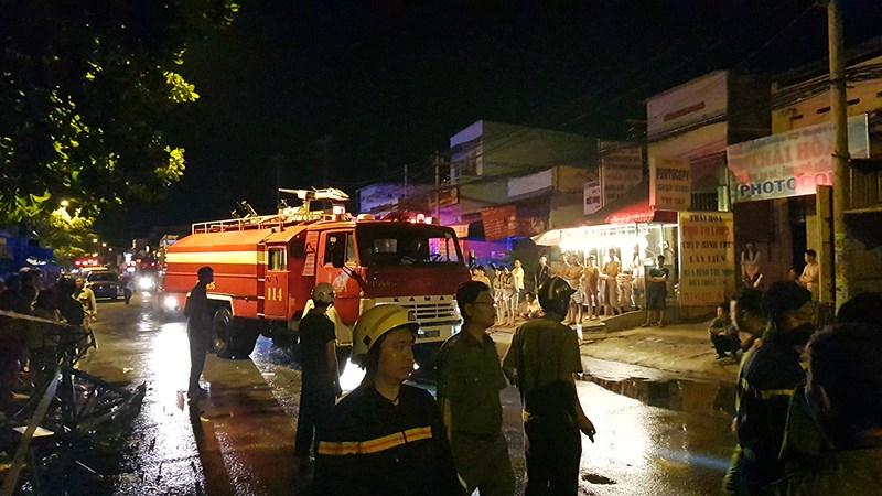 Lửa vây công nhân đang ngủ ở Bình Tân, 1 người chết ngạt - 3