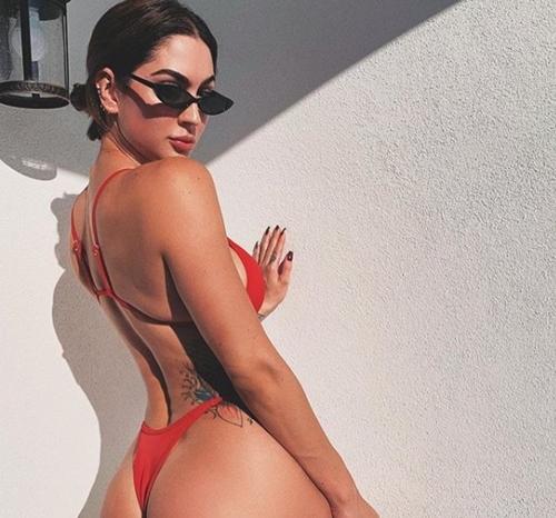 Quảng cáo khiến dân tình hoang mang: Kính râm hay bikini? - 2
